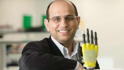 Graphene prosthetic hand image