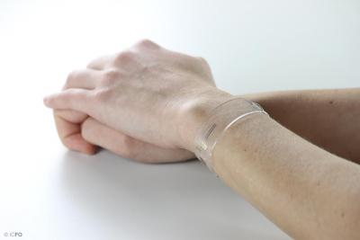 ICFO's new flexible and transparent graphene health tracker image